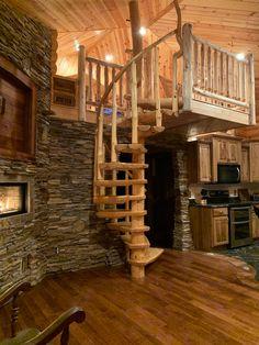 پله ی چوبی