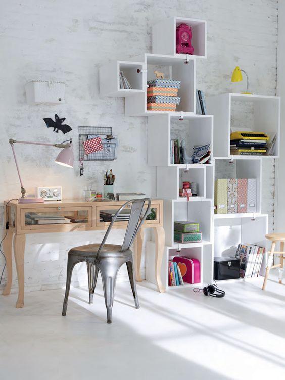 قفسه های سرگرم کننده برای میز مطالعه