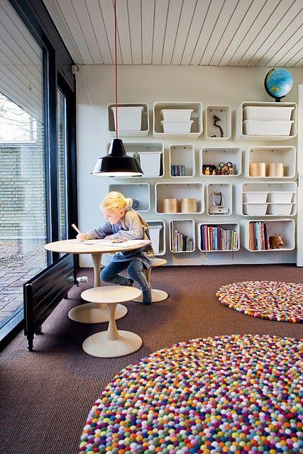 کف سازی سرگرم کننده برای میز مطالعه